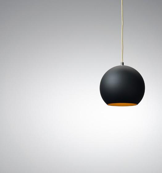 amp lampe von normann copenhagen designs2love. Black Bedroom Furniture Sets. Home Design Ideas