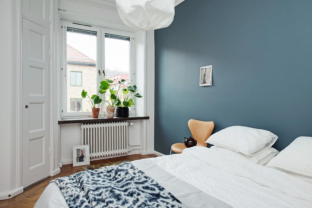 Schlafzimmer Inspiration Wandfarbe : Wohninspiration  Wohnung mit dunklen Wandfarben  Designs2love