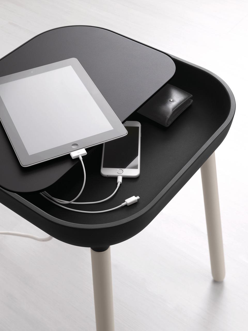 app beistelltisch von domitalia designs2love. Black Bedroom Furniture Sets. Home Design Ideas