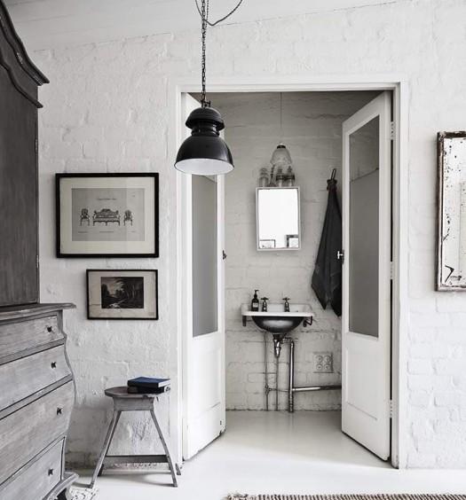 White-Room7